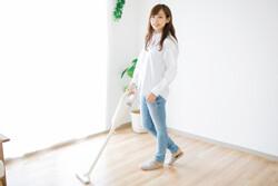 清潔な室内で快適に過ごそう! ひとり暮らしで掃除機をかける頻度は?