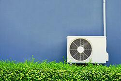 エアコンの室外機 セルフで掃除する方法とタイミング
