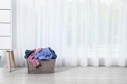 部屋干し派は要注意! カーテンのカビを防ぐ7つの方法